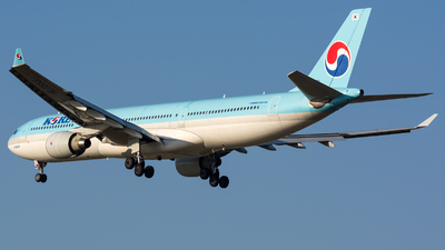 HL7553 - Airbus A330-323 - Korean Air