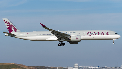 A picture of A7ANO - Airbus A3501041 - Qatar Airways - © bill wang