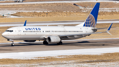 A picture of N17233 - Boeing 737824 - United Airlines - © HA-KLS
