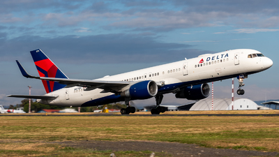 A picture of N6711M - Boeing 757232 - Delta Air Lines - © Juan Pablo MS