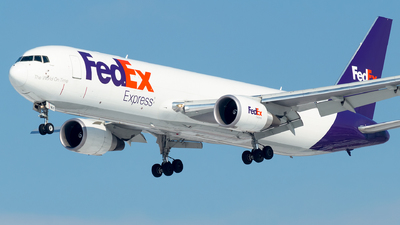 A picture of N167FE - Boeing 7673S2F(ER) - FedEx - © Lorenzo P