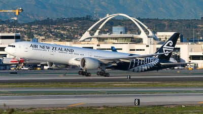 ZK-OKO - Boeing 777-319ER - Air New Zealand