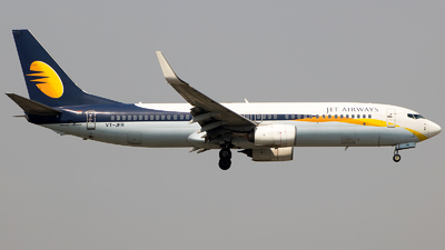 VT-JFR - Boeing 737-8AL - Jet Airways