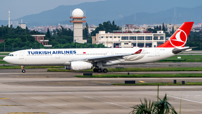 A picture of TCLOG - Airbus A330343 - Turkish Airlines - © Ame_Jayzz