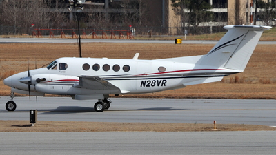 A picture of N28VR - Beech 200 Super King Air - [BB1540] - © Andrew E. Cohen