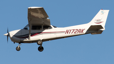 A picture of N172RK - Cessna 172S Skyhawk SP - [172S8082] - © Yixin Chen