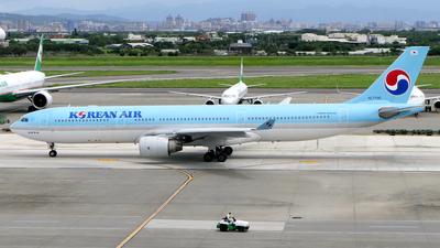 A picture of HL7709 - Airbus A330323 - Korean Air - © BiggyHsia