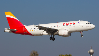 A picture of ECJDL - Airbus A319111 - Iberia - © Gergely Molnár