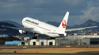 JA615J - Boeing 767-346(ER) - Japan Airlines (JAL)