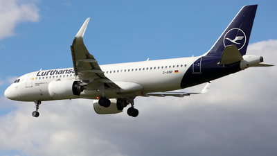 A picture of DAINP - Airbus A320271N - Lufthansa - © J.M.Carballo