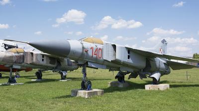 140 - Mikoyan-Gurevich MiG-23MF Flogger B - Poland - Air Force