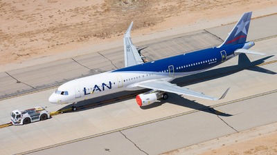N682GY - Airbus A321-211 - LAN Airlines
