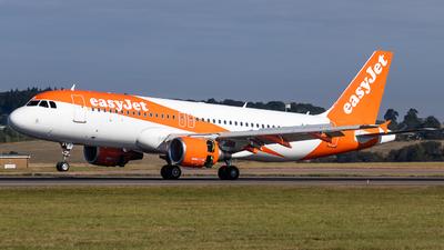 G-EZUR - Airbus A320-214 - easyJet
