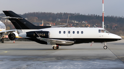 F-GPGA - Hawker Beechcraft 900XP - VallJet