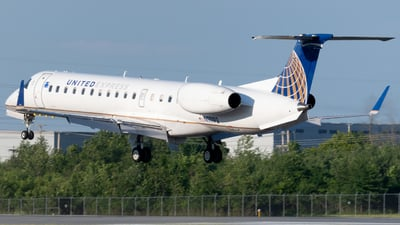 N11193 - Embraer ERJ-145XR - United Express (Commutair)