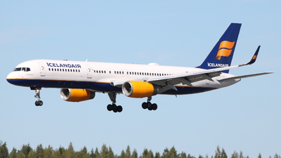 TF-ISL - Boeing 757-223 - Icelandair