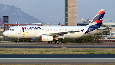 A picture of LVHQI - Airbus A320233 - LATAM Airlines - © MartinezRoe7