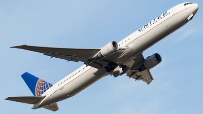 N66057 - Boeing 767-424(ER) - United Airlines
