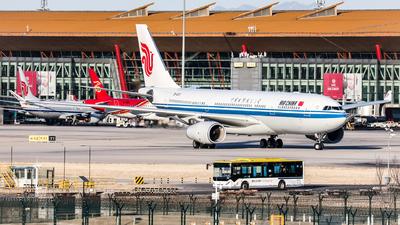B-6131 - Airbus A330-243 - Air China