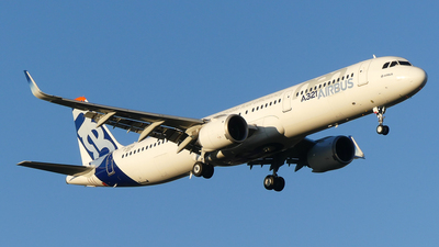 A picture of DAVXB - Airbus A321200N - Airbus - © Pierre Pm