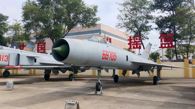 69705 - Shenyang J-8 - China - Air Force