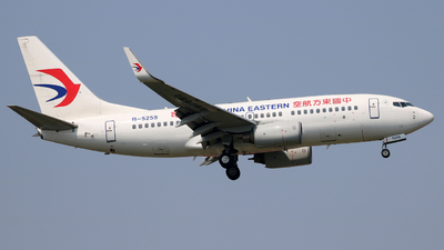A picture of B5259 - Boeing 73779P - China Eastern Airlines - © laohan