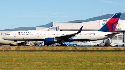 A picture of N665DN - Boeing 757232 - Delta Air Lines - © Ivan Jimenez Rojas