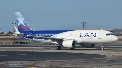 CC-BJF - Airbus A320-214 - LAN Airlines