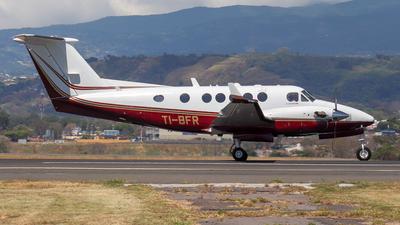 TI-BFR - Beechcraft B200GT Super King Air - Private