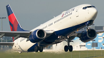 A picture of N3751B - Boeing 737832 - Delta Air Lines - © BF Nestico