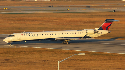A picture of N823SK - Mitsubishi CRJ900LR - Delta Air Lines - © h.giraff