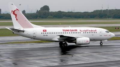 TS-IOL - Boeing 737-6H3 - Tunisair