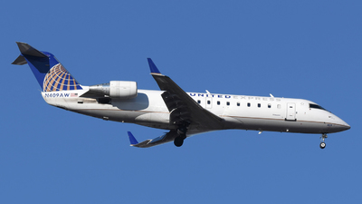 A picture of N409AW - Mitsubishi CRJ200LR - United Airlines - © DJ Reed - OPShots Photo Team