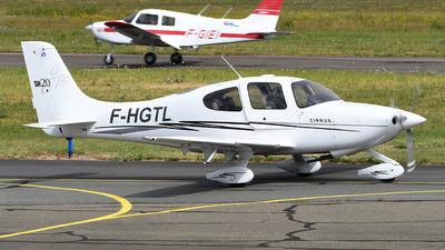 A picture of FHGTL - Cirrus SR20 - [1646] - © bruno muthelet