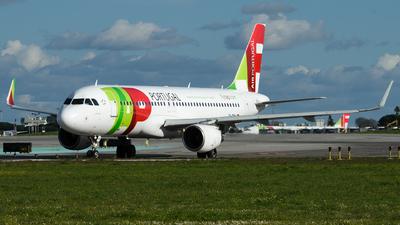 A picture of CSTMW - Airbus A320214 - TAP Air Portugal - © Simon De Rudder