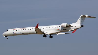 A picture of ECLJT - Mitsubishi CRJ1000 - Iberia - © Mike Barker