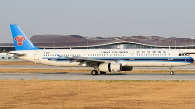 A picture of B6657 - Airbus A321231 - China Southern Airlines - © ZBAADe_LaoBa