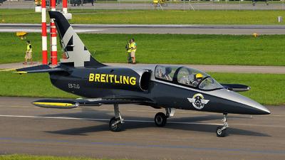 ES-TLG - Aero L-39C Albatros - Breitling Apache Jet Team