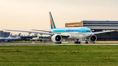 HL8226 - Boeing 777-FB5 - Korean Air Cargo