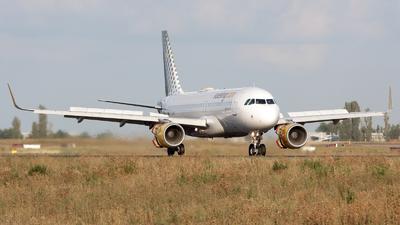 EC-LVO - Airbus A320-214 - Vueling