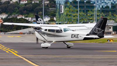 ZK-EKE - Cessna 172N Skyhawk II - Aero Club - Wellington