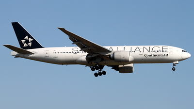 N78017 - Boeing 777-224(ER) - Continental Airlines