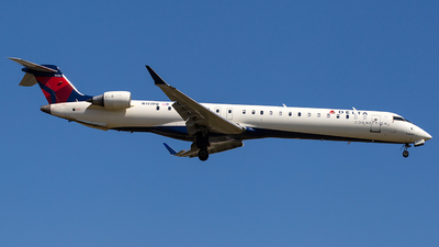 A picture of N197PQ - Mitsubishi CRJ900LR - Delta Air Lines - © Wenjie Zheng