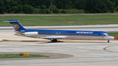 N810ME - McDonnell Douglas MD-82 - Midwest Airlines