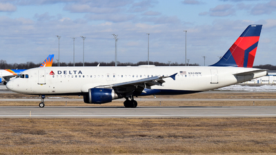 A picture of N344NW - Airbus A320212 - Delta Air Lines - © Brady Noble