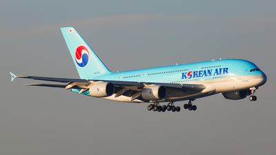 A picture of HL7615 - Airbus A380861 - Korean Air - © Mark H