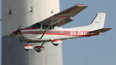 4X-DAV - Cessna 172R Skyhawk II - Private