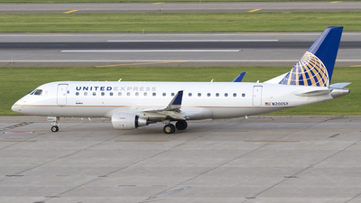 N200SY - Embraer 170-200LR - United Express (SkyWest Airlines)