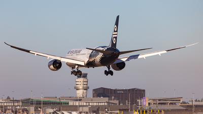 ZK-NZH - Boeing 787-9 Dreamliner - Air New Zealand