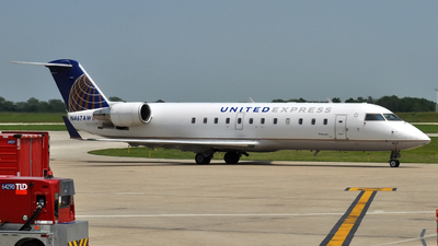 N467AW - Bombardier CRJ-200LR - United Express (Air Wisconsin)
